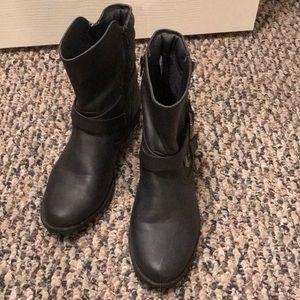 Women's Size 8 Short Boots